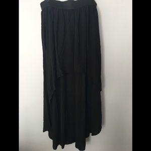 Forever 21 Hi-Lo Black Skirt. Size L